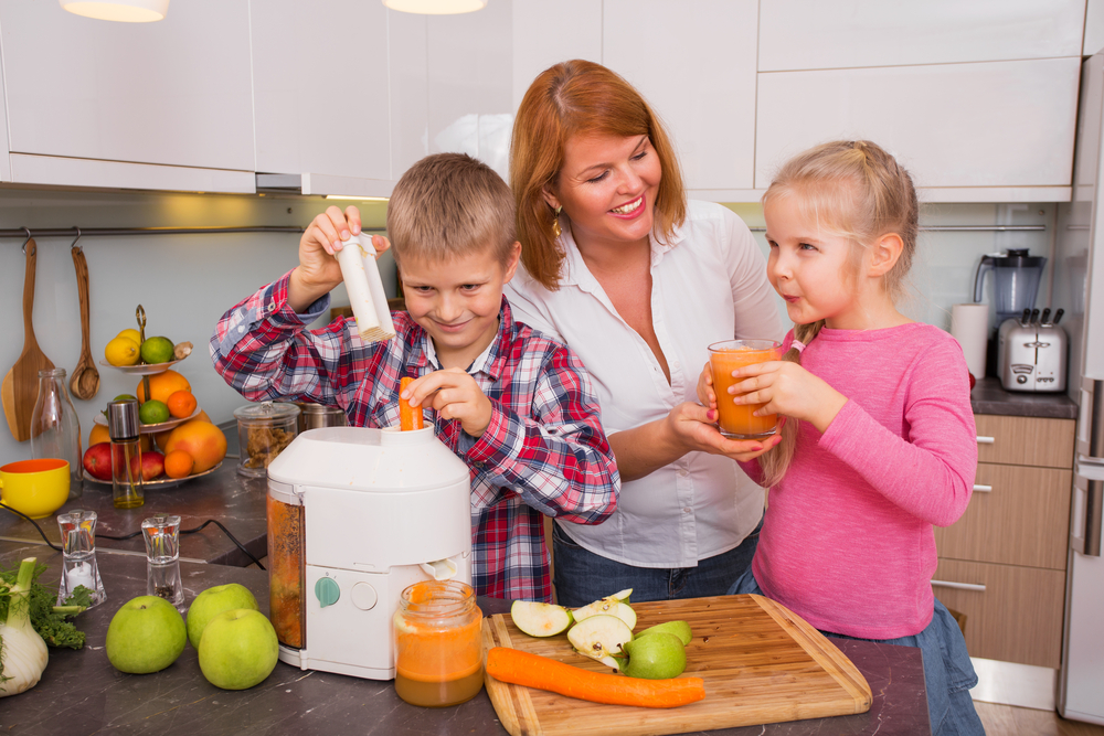 Making smoothies with kids